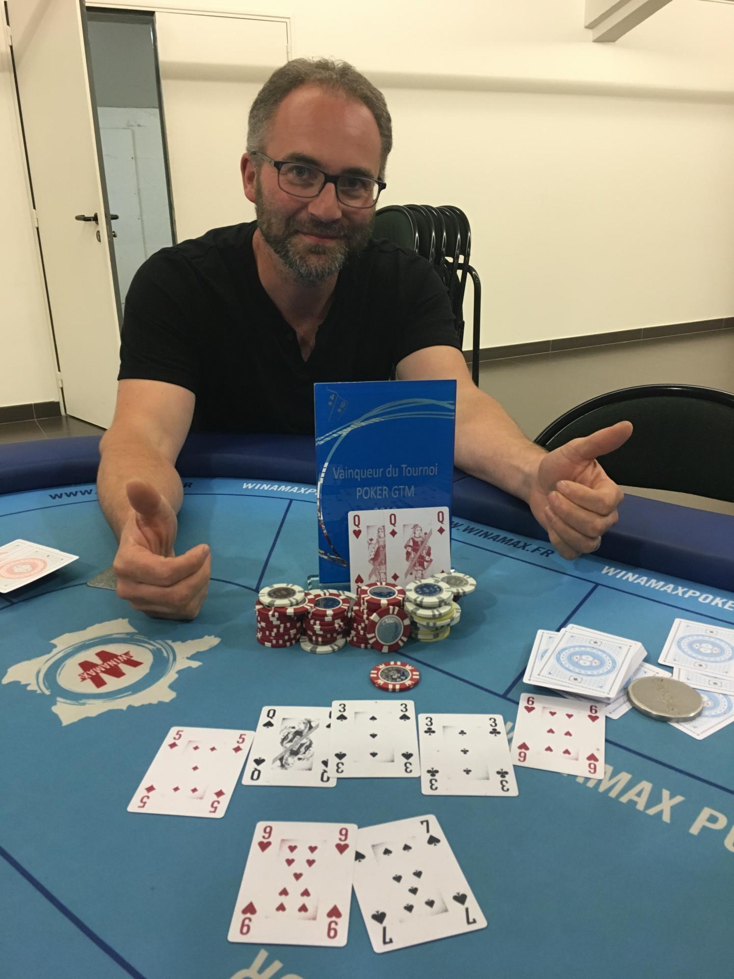Et Richard a claqué un full pour finir et remporter brillamment ce tournoi !!